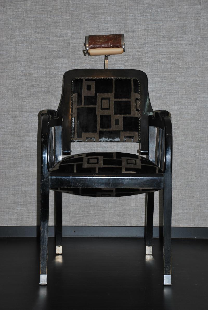 index of manager media main restauration meubles. Black Bedroom Furniture Sets. Home Design Ideas